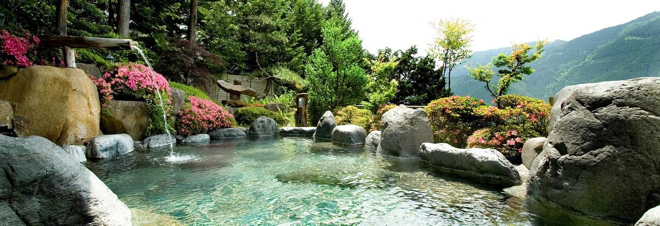 Resultado de imagen de japanese onsen